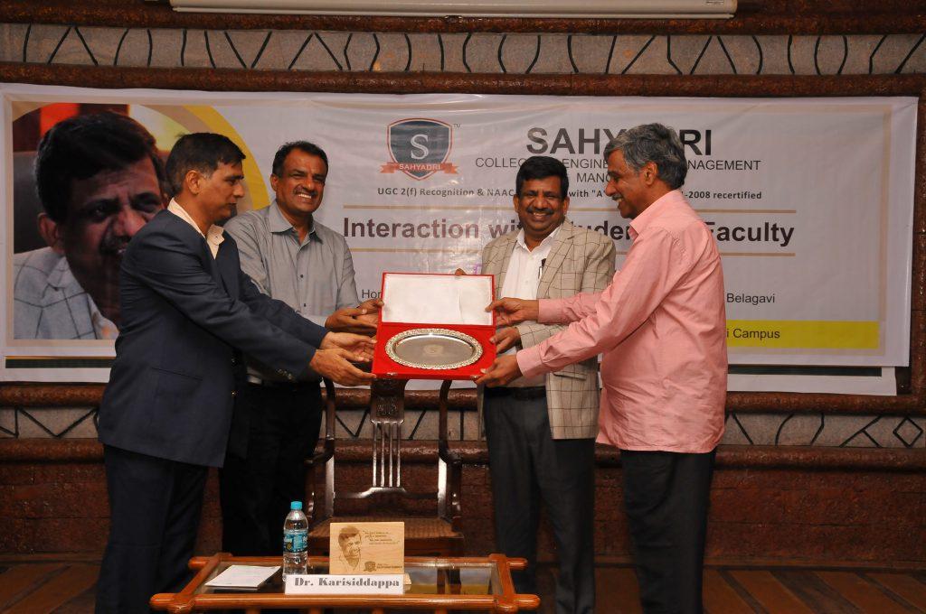 Dr. Karisiddappa, Vice Chancellor - VTU, Belagavi visits Sahyadri